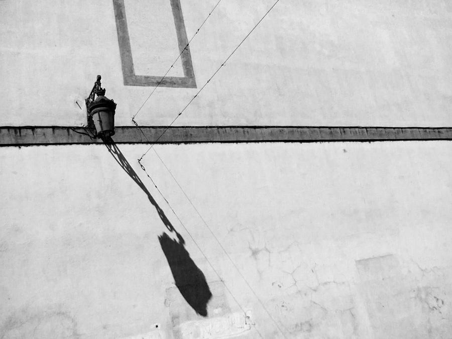 Lamp-Shadow-Arles-01-Ludwig-Haskins.jpg