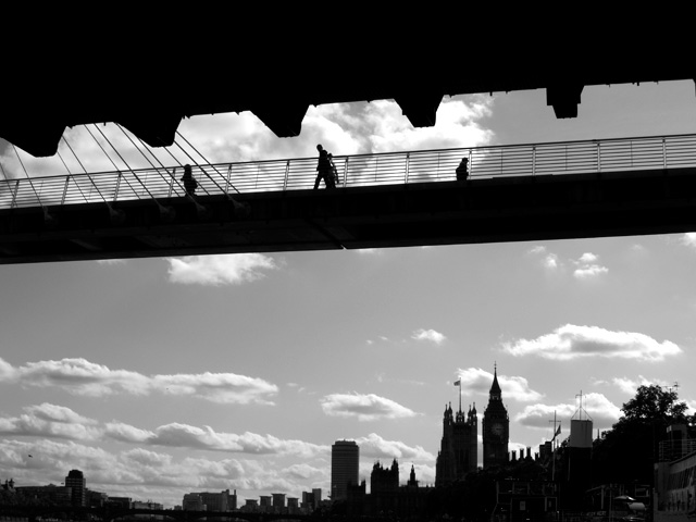 Thames Bridge 02 Sep 20111